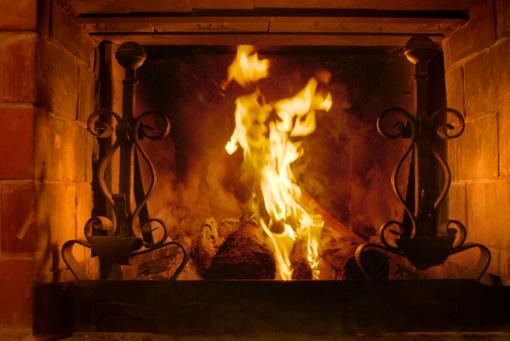 Artėja šildymo sezonas – metas remontuoti krosnis ir išvalyti dūmtraukius