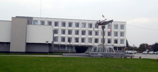 Pradėtas tyrimas dėl Jurbarko rajono savivaldybės administracijos direktorės elgesio