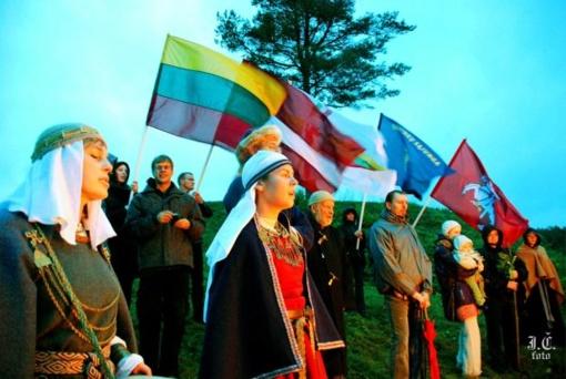 Baltų vienybės ugnies sąšauka prie Ignalinos miesto ant Mažulonių, Ažušilės, Senojo Daugėliškio piliakalnių