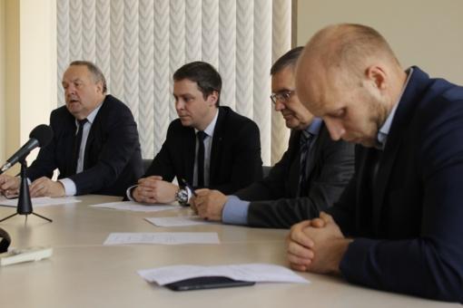 Rinksis komisija, spręsianti dėl keturių Tarybos narių bei mero apkaltos