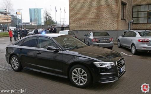 Policija įsigijo 12 naujų automobilių, skirtų patruliavimui magistraliniuose keliuose