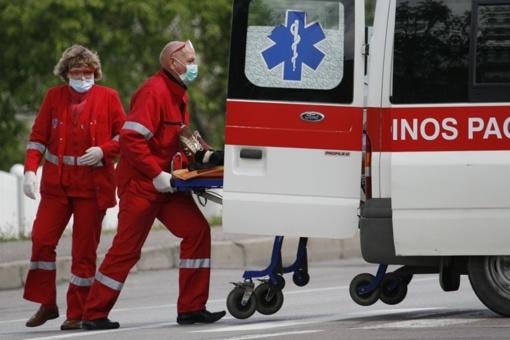 Plungės rajone į avariją pateko trys automobiliai, sužalotas kūdikis