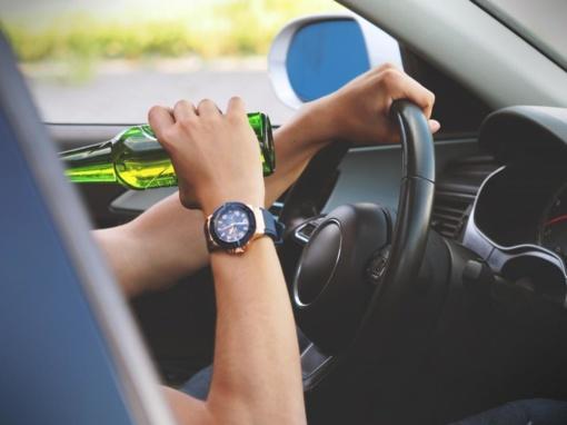 Alkoholiu apsinuodijęs vyras vairavo tol, kol pateko į reanimaciją
