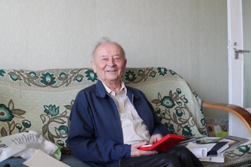 Veliuonietis pedagogas Justinas Palukaitis didžiuojasi, kad niekam neparsidavė
