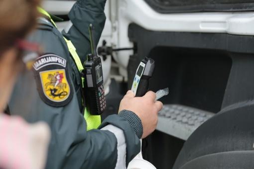Ikiteisminių tyrimų neblaiviems vairuotojams sumažėjo nedaug
