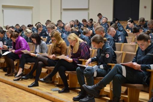 Konstitucijos egzaminą rašė 130 Lietuvos policijos mokyklos kursantų bei darbuotojų - į kitą etapą pateko tik 4