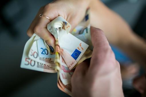 Sukčiai iš kaunietės išviliojo 17 tūkst. eurų