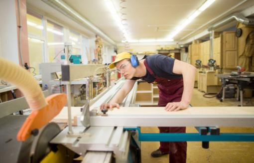 Investicijas į sektorinius praktinio mokymo centrus sumažins daugiau nei perpus