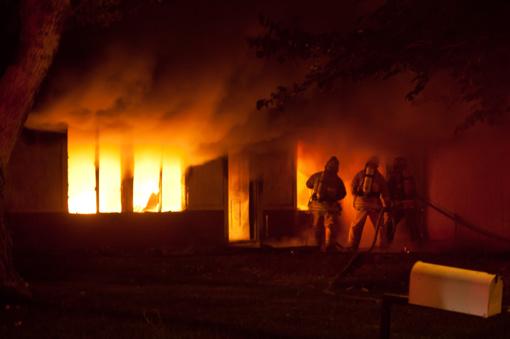 Ugniagesiai ketvirtadienį gesino net 14 gaisrų