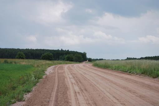 Nesibaigiantys lietūs stipriai suprastino Kupiškio rajono kelių būklę