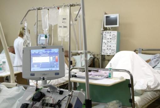 Rekomendacijas, kuriuos koronaviruso pacientus gelbėti, teiks reanimatologai