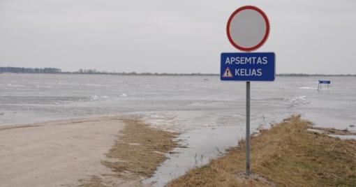 Kelyje į Rusnę vanduo pakilo iki 72 cm