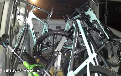 Šiąnakt pavogti dviračiai bus grąžinti į parduotuvę