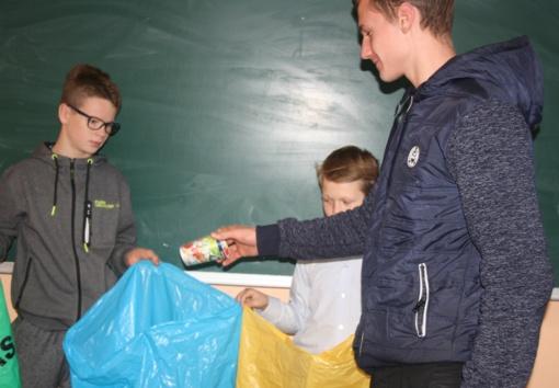 Radviliškio jaunimo mokyklos moksleiviai domėjosi rūšiavimo nauda
