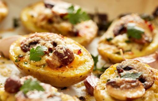 Rudeniškai vakarienei– grybais įdarytos bulvės