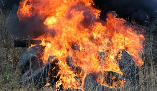 Padangų keitimo vajus: už jų išmetimą ir deginimą gresia tūkstantinės baudos