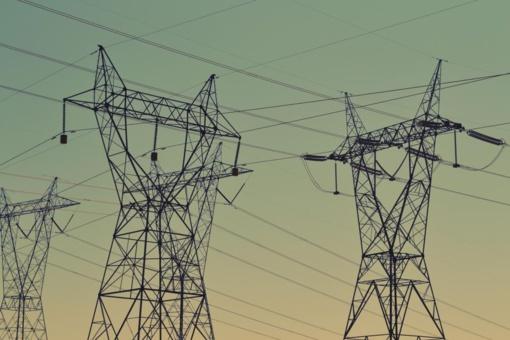 Plečiamas požeminis elektros tinklas: šiemet nutiesta per 1300 km kabelių