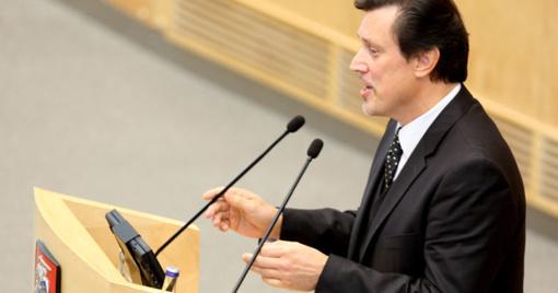 Etikos sargams siūloma aiškintis galimą V. Juozapaičio uždarbiavimą Seimo posėdžių metu
