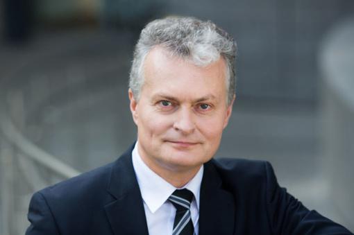 """""""Vilties prezidentu"""" pramintas Gitanas Nausėda atskleidė ką visą dieną veikia banko prezidento patarėjas"""
