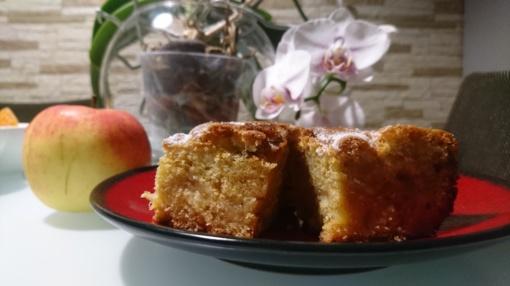 Vaikystės obuolių pyragas, kurio norisi dar ir dar
