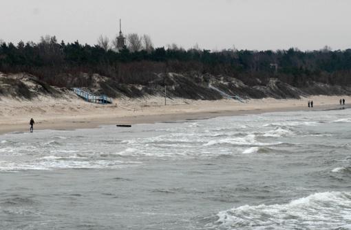 Pajūryje siautęs stiprus vėjas didesnių nuostolių nepadarė