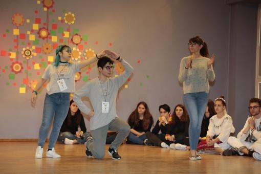 """""""Ryto"""" pagrindinėje mokykloje sušoktas tarptautinis šokis"""