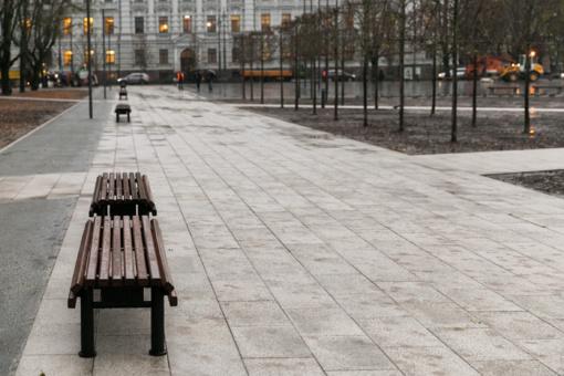 Pamažu atsiveria atnaujinta Lukiškių aikštė