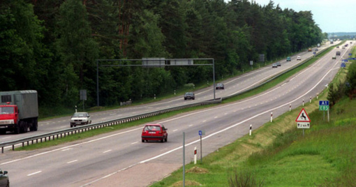 Dėl kelio darbų - kilometrinės spūstys magistraliniame kelyje Vilnius-Kaunas-Klaipėda