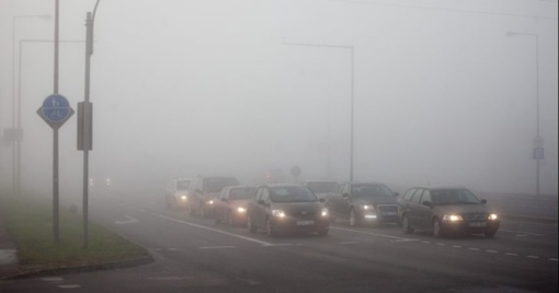 Kelininkai įspėja: keliuose yra slidžių ruožų