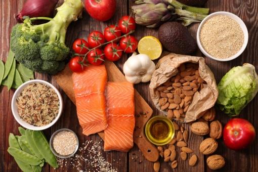 Sveikos mitybos dienos proga – patarimai kaip valgyti nepriaugant svorio ir nealinant savęs