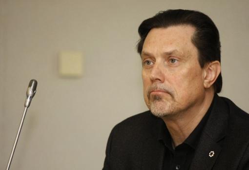 Pranešimą dėl Seimo nario V.Juozapaičio elgesio VTEK perduos Seimo etikos sargams