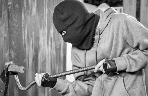 Alytuje iš garažo pavogti darbo įrankiai
