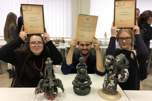 Keramikos konkurse šakiečių darbai tarp geriausių