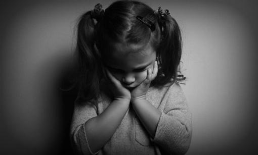 Prieš mažametę dukrą smurtavęs tėvas atsidūrė areštinėje