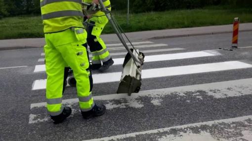 Pavojingiausi keliai – jau su atnaujintomis ištisinėmis linijomis, išskyrus Utenos regioną
