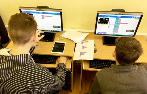 Išmaniojoje kūrybos laboratorijoje išbandė kompiuteriukų galimybes