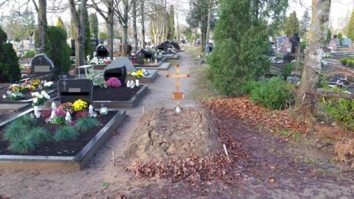 Ar tikrai trūksta laidojimosi vietų Ginkūnų kapinėse?