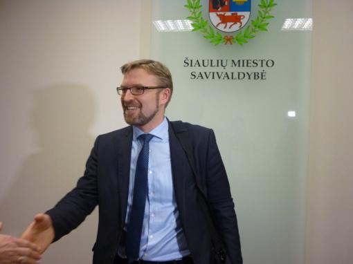 """Ministras L. Kukuraitis: """"Apie Šiaulių kūdikių namų uždarymą niekas nekalba"""" (video)"""