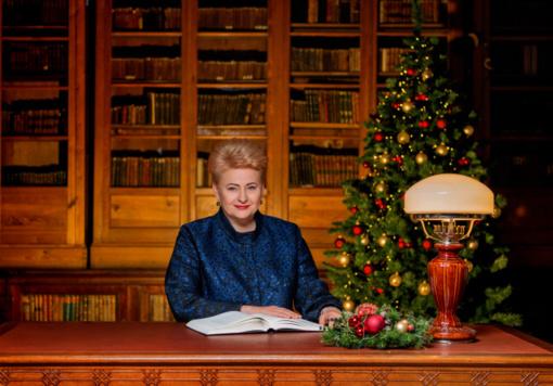 """Prezidentūroje – pirmoji eglė ir """"Knygų Kalėdų"""" pradžia"""