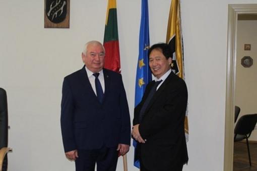 Kazlų Rūdoje lankėsi Japonijos ambasadorius