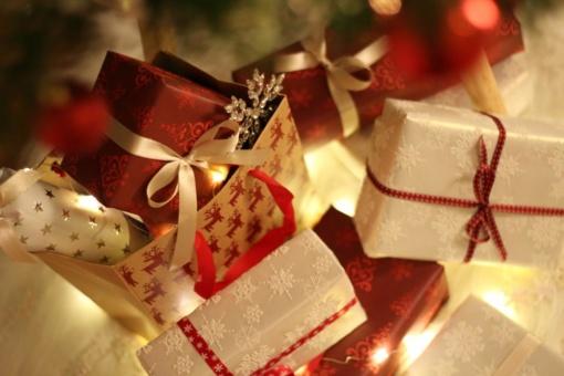 Kalėdinės dovanos ir mokesčiai: ką reikia žinoti, kad šventinės dovanos nevirstų rūpesčiu?