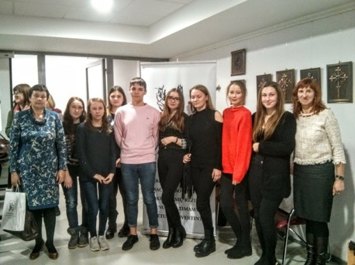 Krokialaukio gimnazijos mokiniai istorijos žinias gilino Alytaus kraštotyros muziejuje