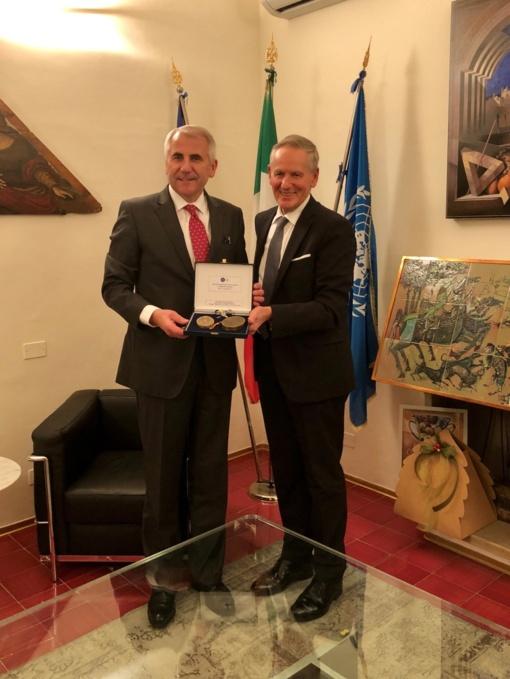 Vygaudui Ušackui suteiktas Urbino universiteto garbės laipsnis