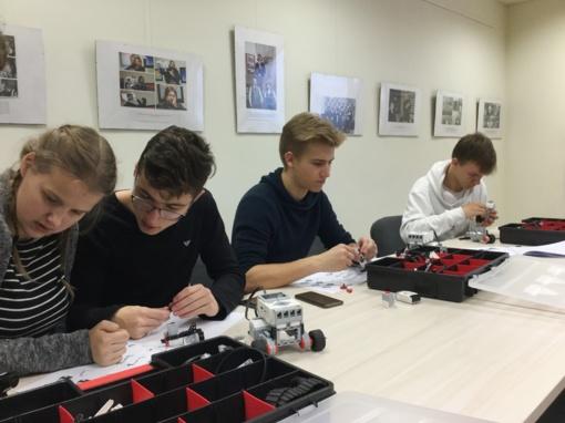 Biblioteka kviečia jaunimą susipažinti su inovatyviomis technologijomis