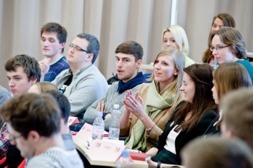 Studentams kitąmet didės socialinės stipendijos, plėsis jas gaunančiųjų ratas