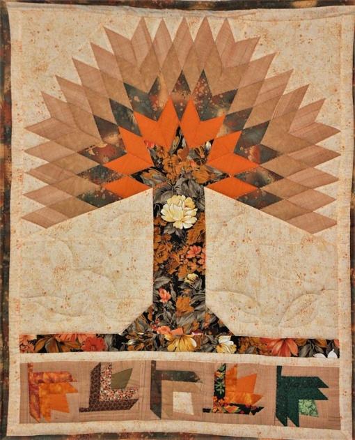 Skiautinių parodoje – margi tekstilės raštai