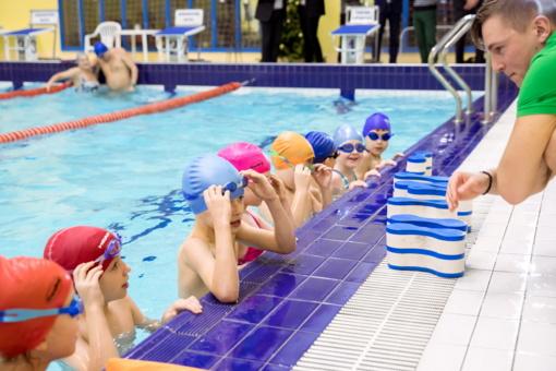 Daugiau nei 800 Vilniaus antrokų mokosi plaukti