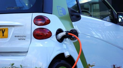 Siūloma elektromobiliams taikyti 9 proc. PVM lengvatą