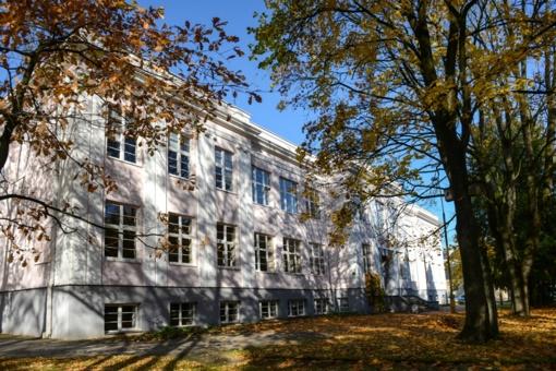 V. Žemkalnio gimnazijos ateitis – tradicijos ir naujovių sintezė