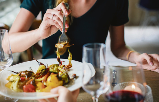Persivalgymo išvengsite mėgaudamiesi maistu